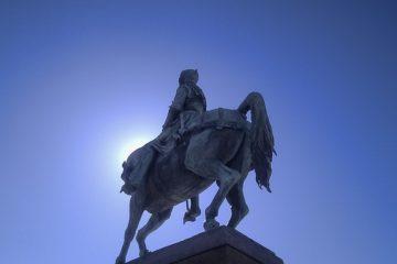 statue jeanne d'arc à orléans